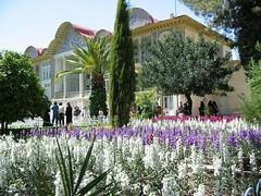 Bagh-e Eram Palace & Gardens - Shiraz (IranMap) Tags: gardens iran palace shiraz eram irannature baghe eramgarden iranphoto iranmap iranmapcom