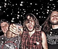 inverno no inferno e nevam brasas! (Herodoto) Tags: show brazil music beer rock brasil rockroll musica rocknroll kingsize goiania herodoto goianiarockcity therockefellers