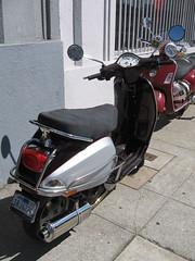 Custom Vespa LX (Bagel!) Tags: sanfrancisco california girls rally august scooter 2008 sfsg