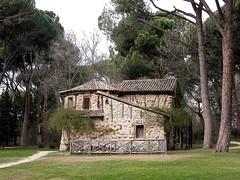 Casa de la vieja 00262 (javier1949) Tags: madrid arquitectura agua fuente escultura bosque jardín palacio barajas elcapricho alamedadeosuna lacadenademadrid jardínhistórico