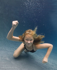 come get some! (david_CD) Tags: girls portrait color uw wet pool girl kids female swim children funny underwater dive bubbles angry fists losangles childish softlight lightroom lightonkids