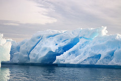 Iceberg (elosoenpersona) Tags: blue sunset sea ice azul geotagged atardecer greenland iceberg soe hielo groenlandia mywinners elosoenpersona