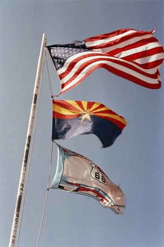 Banderas de la Historic Route 66 a su paso por Arizona