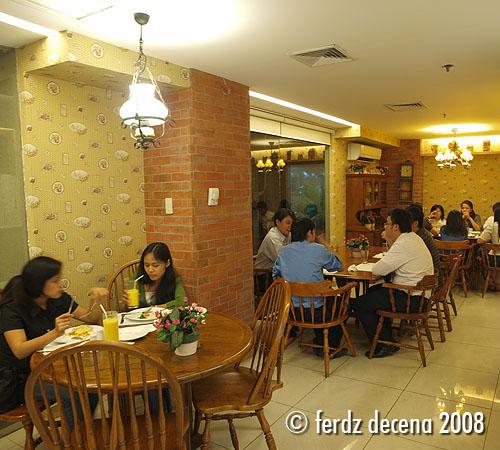 Dining at Mom and Tinas Makati Branch