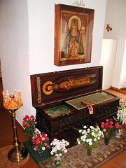 San Teodoro de Sanaksar (abarrero2000) Tags: church shrine reliquia russia tomb tumba holy orthodox relics reliquien schrein reliquary urna grabmal orthodoxsaint hieromonk chsse relicario tombeaudesaint  santoortodoxo