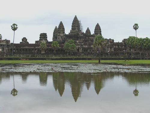 angkor-wat-reflection