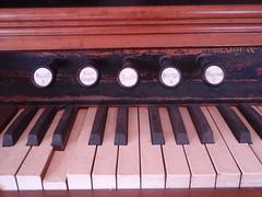 pump organ pulls