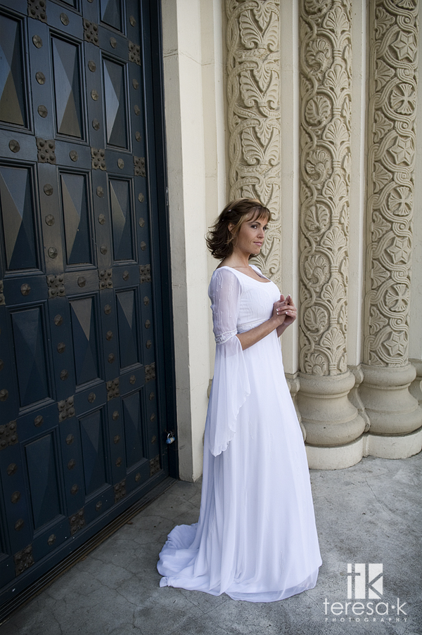 Post-wedding Bridal session in Downtown Sacramento by Sacramento Wedding photographer Teresa K of Teresa K photography