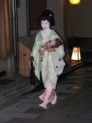Geiko Toshihana  (Iniwa) Tags: japan kyoto maiko geiko geisha   miyagawacho     toshihana
