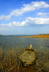 Alone (-clicking-) Tags: light sky cloud sunlight lake nature landscape boat stand natural cloudy bluesky vietnam repose phongcnh tran