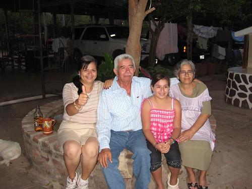 Chena, Papa, Brianda y Mama