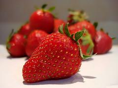(GnL*) Tags: fruit relax strawberry meyve ilek fotografca