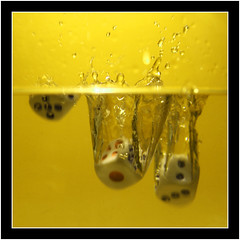 diving dices (panc) Tags: light water dices dadi acqua luce