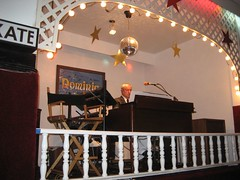 The world's greatest roller rink organist, Dominic Cangelosi. (05/17/2008)