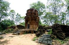 Noi castle thailand01