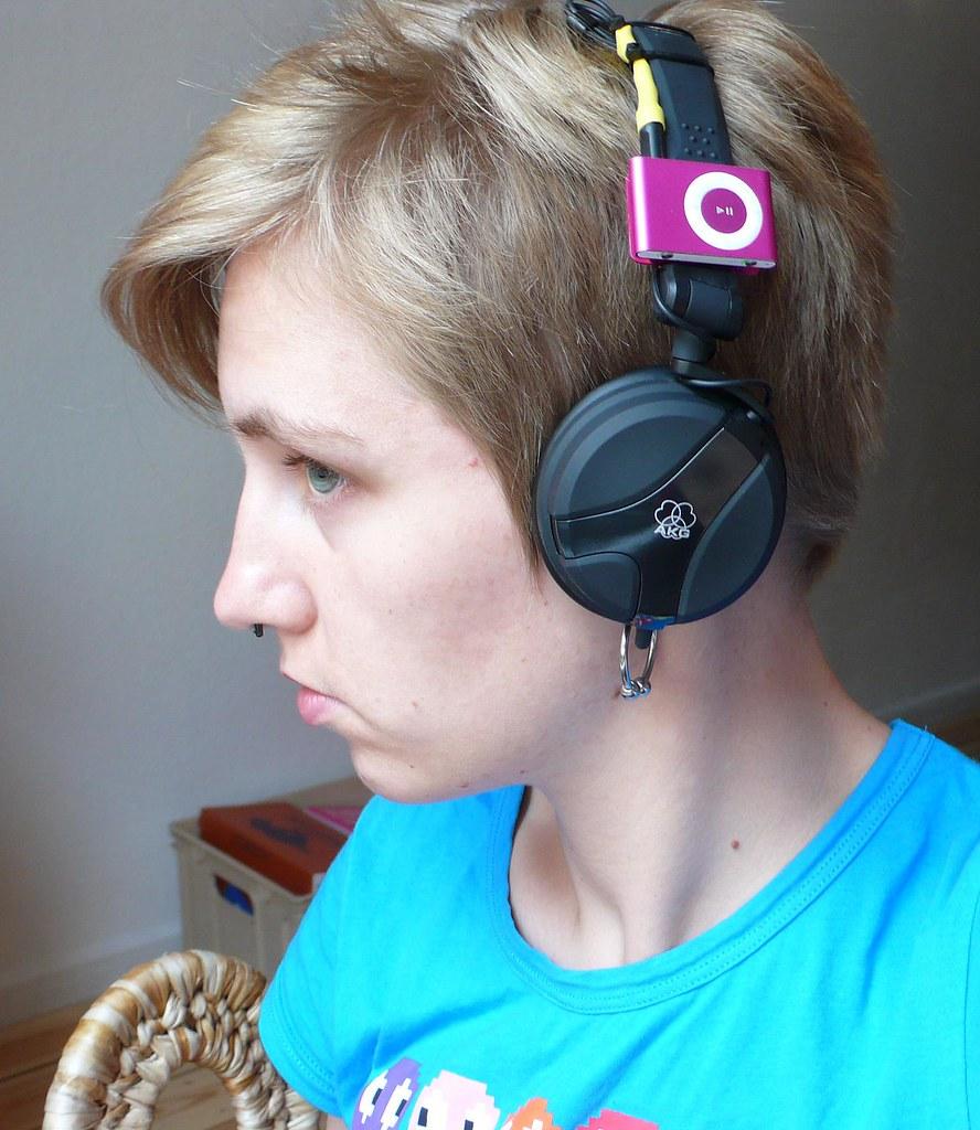 headphones with ipod shuffle, day 121