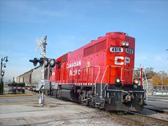 Eastbound Canadian Pacific switchinhg local. Franklin Park Illinois. October 2007.