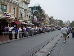 Cast members lined Main Street to greet us. (07/17/2005)