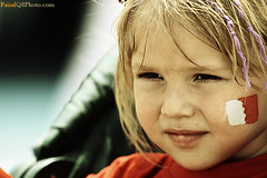 Innocent Smile ... (FaisaL HamadaH) Tags: cute girl smile canon is bahrain gulf mark air iii innocent grand f1 kuwait usm 2008 fa eos1d faisal q8 400mm kwt   f28l innocentsmile pirx faisalhamadah  canonmarklll