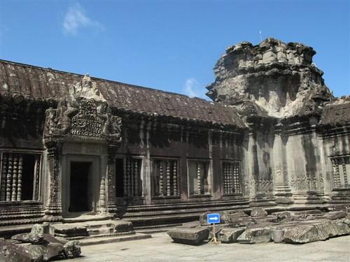 inside Angkor Wat (3)