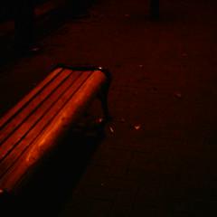 【写真】ミニデジで撮影した汽車道のベンチ