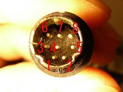 miniDIN 8pin male connector