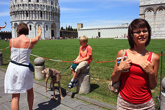 What's going on? (Pawel Boguslawski) Tags: people italy tower canon tourist pisa tuscany leaning torro 40d