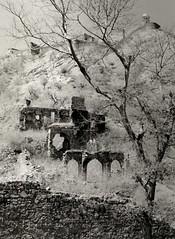 Old_Jaipur_Ruins (vishal_mathur) Tags: bw india tlr amber 55mm jaipur c330