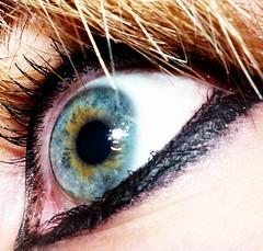 Life is a Rollercoaster! II (A ) Tags: macro ojo amarillo rubia natalie celeste pupila pestaas ronankeating delineador