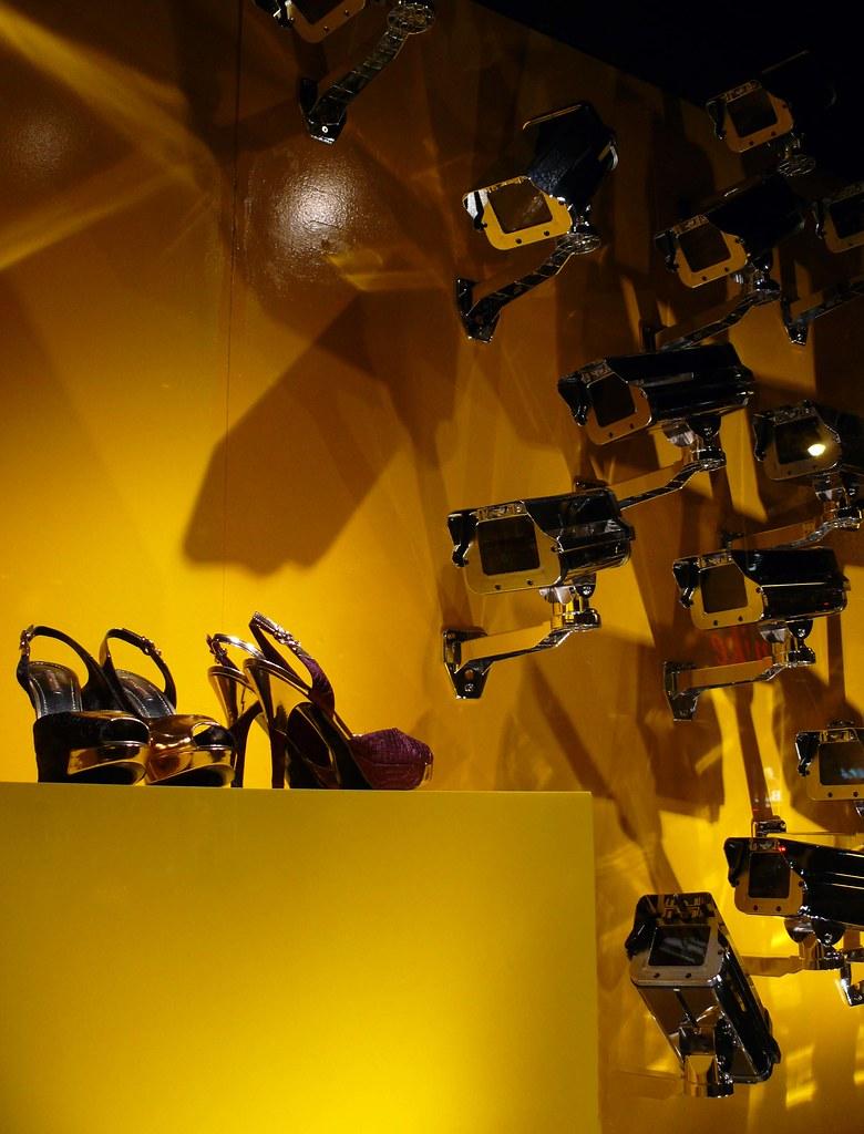 P1400454MC1 - Shoes under surveillance, Bloor Street