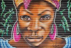 cierre con arte (Alexandra Galiano) Tags: madrid espaa calle spain puerta chica cierre negra grafitty barriodelasletras