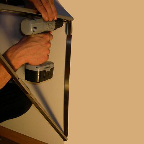 04-folding-table-screw