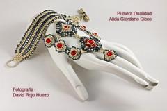 Pulsera Dualidad (LaChirris) Tags: sexy mexico amazing cool df hand bracelet stunning mano cancun beading pulsera beadwork checa manualidad chaquira