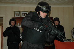 CO19 \ SO19 \ SA19 Armed Officer with MP5