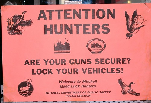 2008-11-14 Mitchell SD Gun Sign