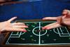 """""""A infância continua... (Fabiana Velôso) Tags: brinquedo crianças mãos futebol par infância brincadeira tabuleiro frenteafrente ímpar fabianavelôso futeboldemoeda parouímpar"""