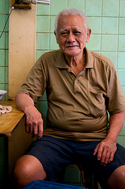The second-generation owner of Tom Yam Samong Muu, a restaurant serving pig brain soup, Bangkok