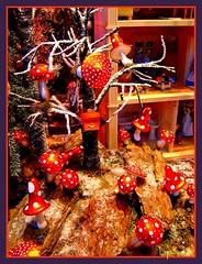 Pilze (Lispeltuut) Tags: holiday berlin germany advent bokeh schaufenster christmasdecoration showcase