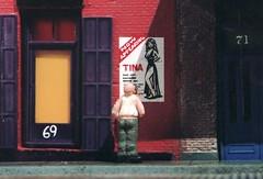 ray & tina (eks4003) Tags: model ray dude tina diorama everyman saggypants girlyshow