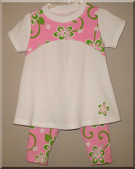Pink & White Paisley 2pc Set
