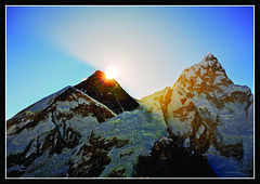 Sunrise Over Everest (fileacn) Tags: nepal sunrise trek canon 5d shep everest kala nuptse basecamp sagarmatha gorak chomolungma supershot 1740mmf4 patthar philipmilne feileacan gnneniyisi fightingblindess grianghrafadoireacht