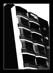 black and white (d5e) Tags: blackandwhite bw white black building architecture germany deutschland front bnw curtainwall d40