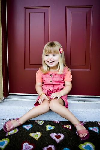[フリー画像] 人物, 子供, 少女・女の子, 笑顔・スマイル, アメリカ人, 200807151500