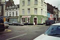 Eire 1993-054 (Tai Pan of HK) Tags: ireland erin hibernia bantry irlanda eri republicofireland ire irinn poblachtnahireann beanntra repblicadeirlanda riu werj weri veri