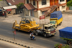 TRUCKING IN INDONESIA (Claude  BARUTEL) Tags: truck sumatra indonesia island scania