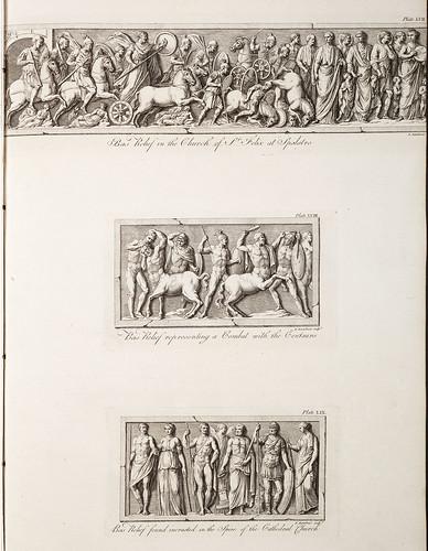 13-Bajo relieve que representa una lucha con los centauros