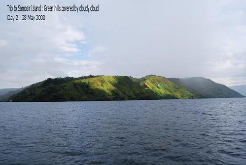 Trip to Samosir Island : Green Hills