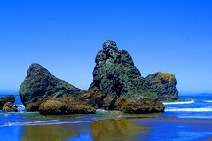Basalt sea stacks--Explored July 4 (a walk on the wild side nature photography) Tags: oregon hwy101 pacificcoast basalt volcanicrock masterphotographer 5photosaday abigfave platinumphoto theperfectphotographer platinumsuperstar absolutelystunningscapes aoty59thread