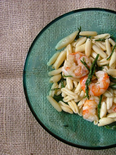 cavettelli ai gamberi all'aglio fresco e salicornia