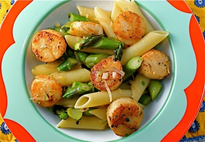 penne with seared scallops and asparagus